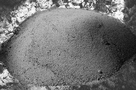 Зола – «бесплатное» удобрение снижающее кислотность почвы
